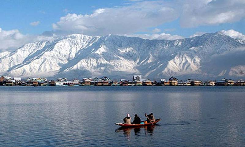 Dal-Lake-travel-guide-for-india
